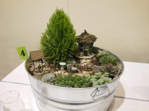 This galvanized tub is home to an entire fairyland!